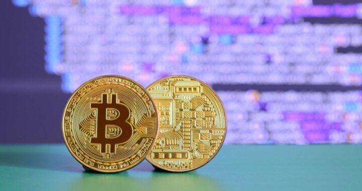 AU 1064. Bitcoins Vs Oro ¿En cuál invertir?